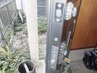埼玉県鴻巣市榎戸・住宅修繕修理工事・玄関ドア鍵
