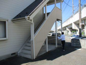 埼玉県伊奈町・改修工事・アパート雨樋・駐車スペース